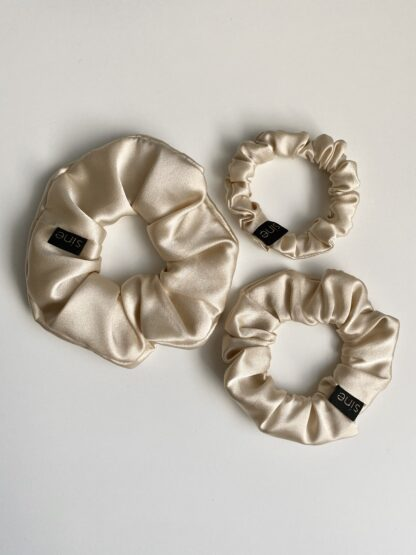 silk scrunchie cream