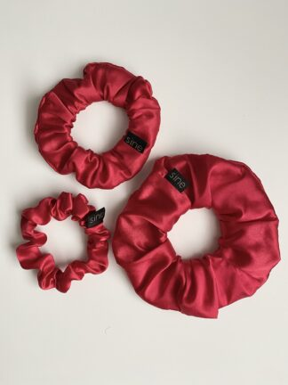 SILK SCRUNCHIE RED