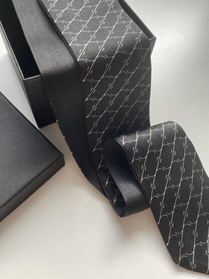 krawacik jedwabny black